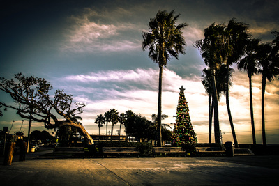 Sviatlana Kandybovich Graphics & Photo: Town &emdash; Awaiting Christmas