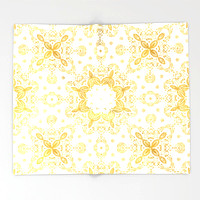 golden-pattern-lxv-throw-blankets