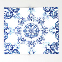 blue-garden-mandala-throw-blankets